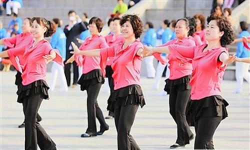 广场舞是怎么起源发展的?广场舞神曲的助推作用怎么样?